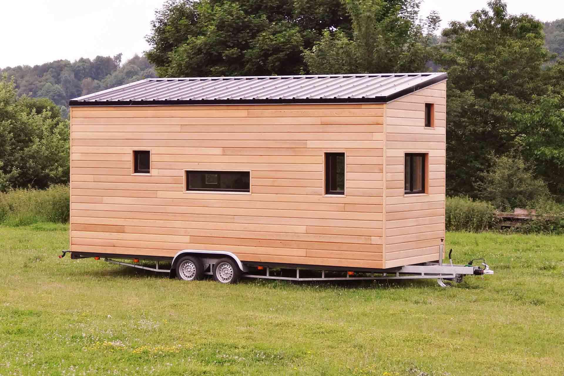 modèle ou plan de tiny house - vue extérieure : La familiale - Les chalets nomades, constructeur francais de tiny houses en France