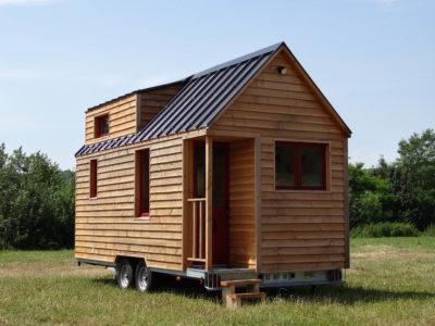vue d'extérieur d'une tiny house (chalet nomade)