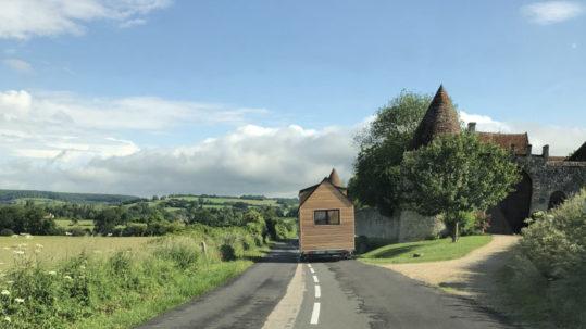 Livraison et transport de nos tiny houses en France notamment en Aquitaine : Bordeaux, Arcachon, Biarritz, Anglet, Bayonne, Cap-breton, Biscarrosse, Andernosse, etc.