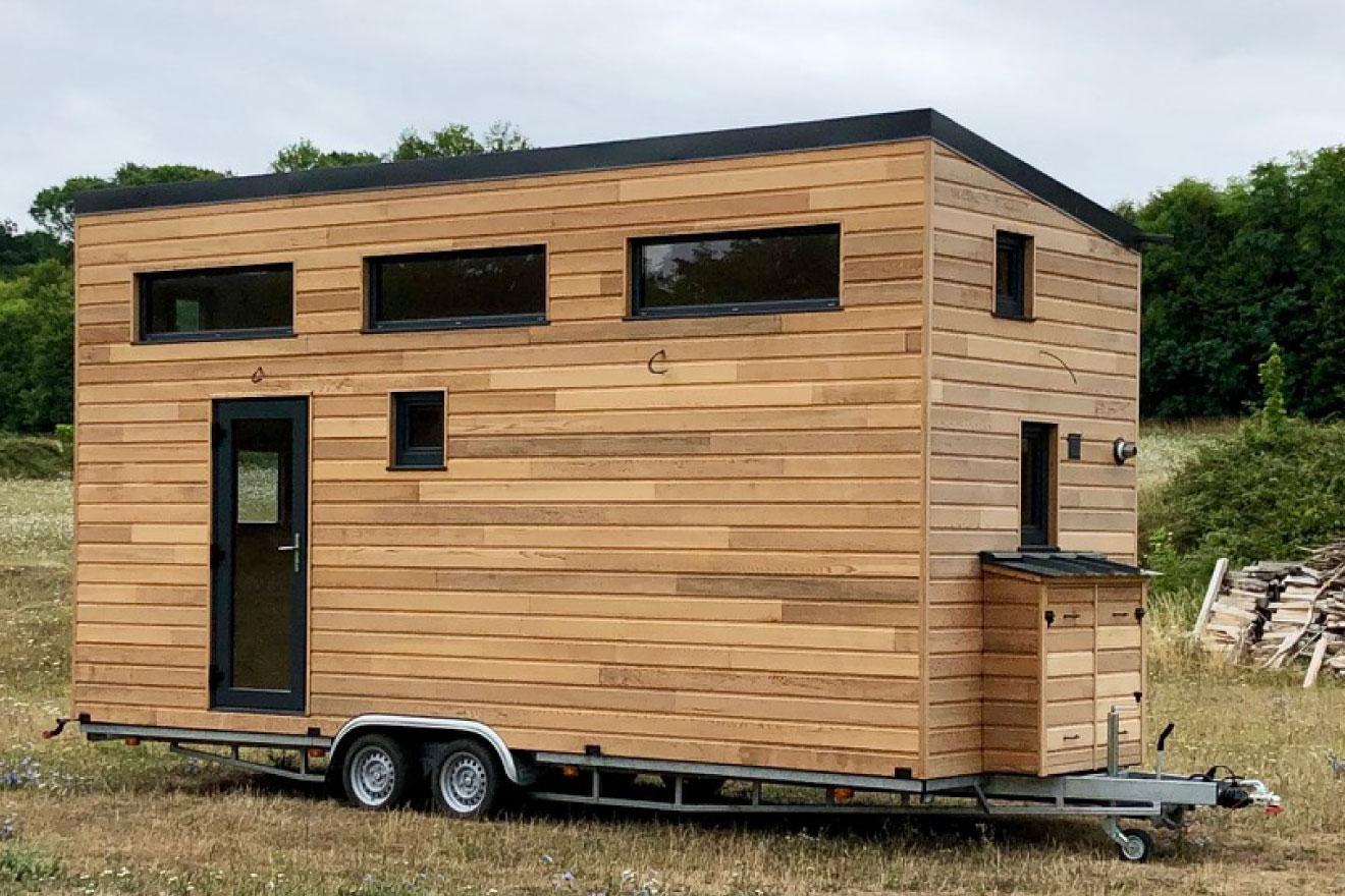 Livraison de la variante du modèle de Tiny House La Familiale construite dans le Perche, parc naturel se situant sur 3 départements Orne, Eure et loir et Sarthe