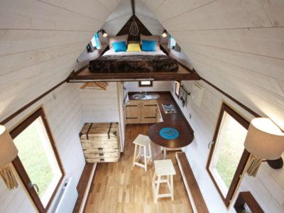 Vue d'ensemble de l'intérieur de ce modèle de Tiny House. Toutes nos tiny houses peuvent être livrées en Bretagne: Rennes, Quimper, Nantes, Saint Brieuc, etc.